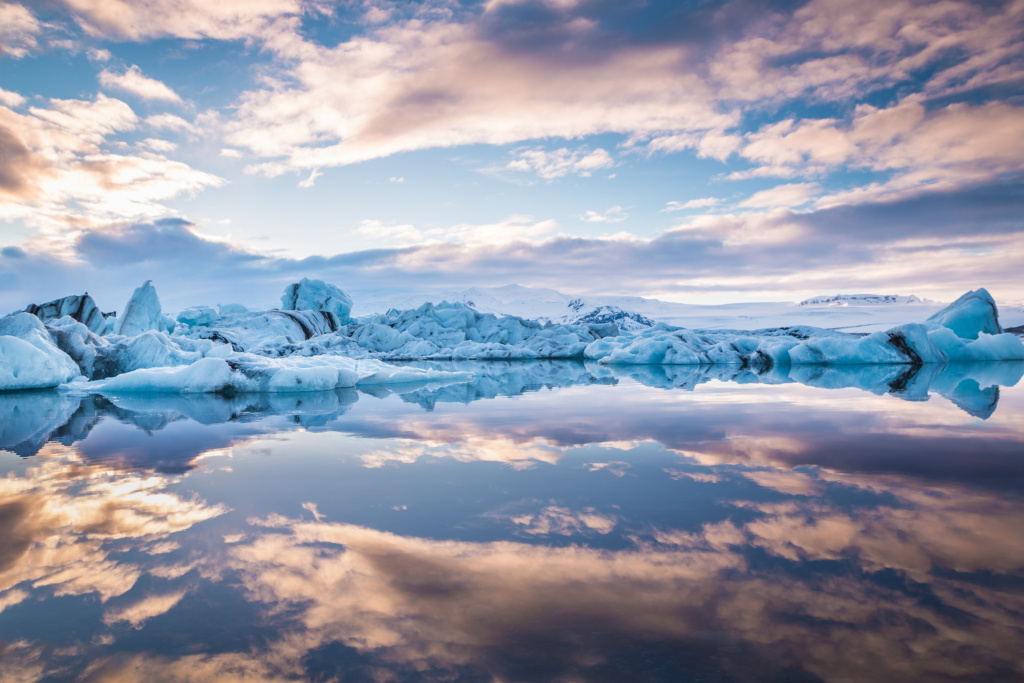 sunset at jökulsárlón ice lagoon